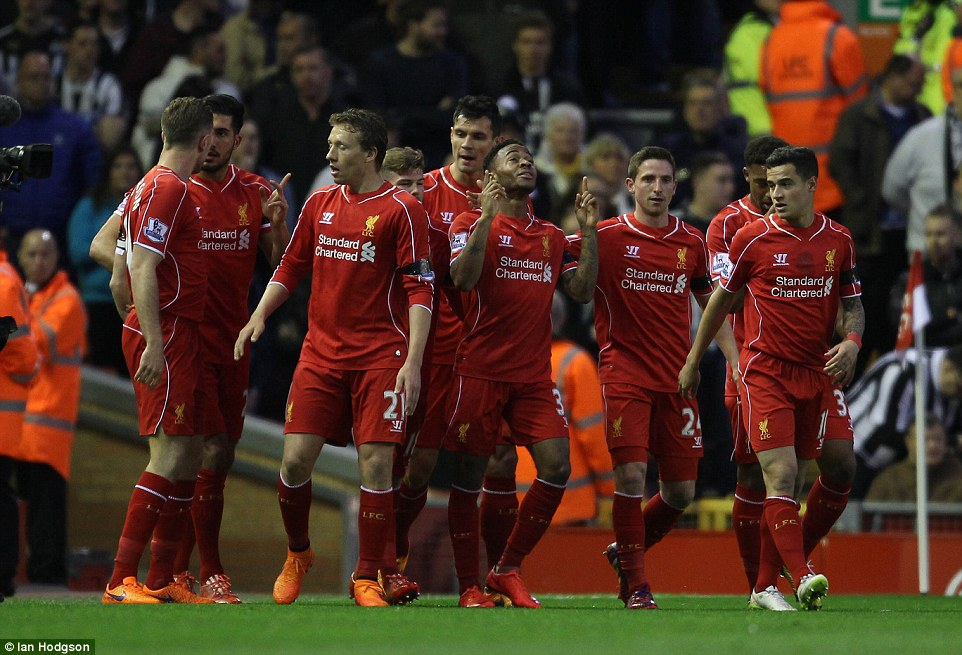 27897B4200000578-3037578-Liverpool_players_celebrate_in_unison_as_they_looked_to_close_th-a-51_1428957555421