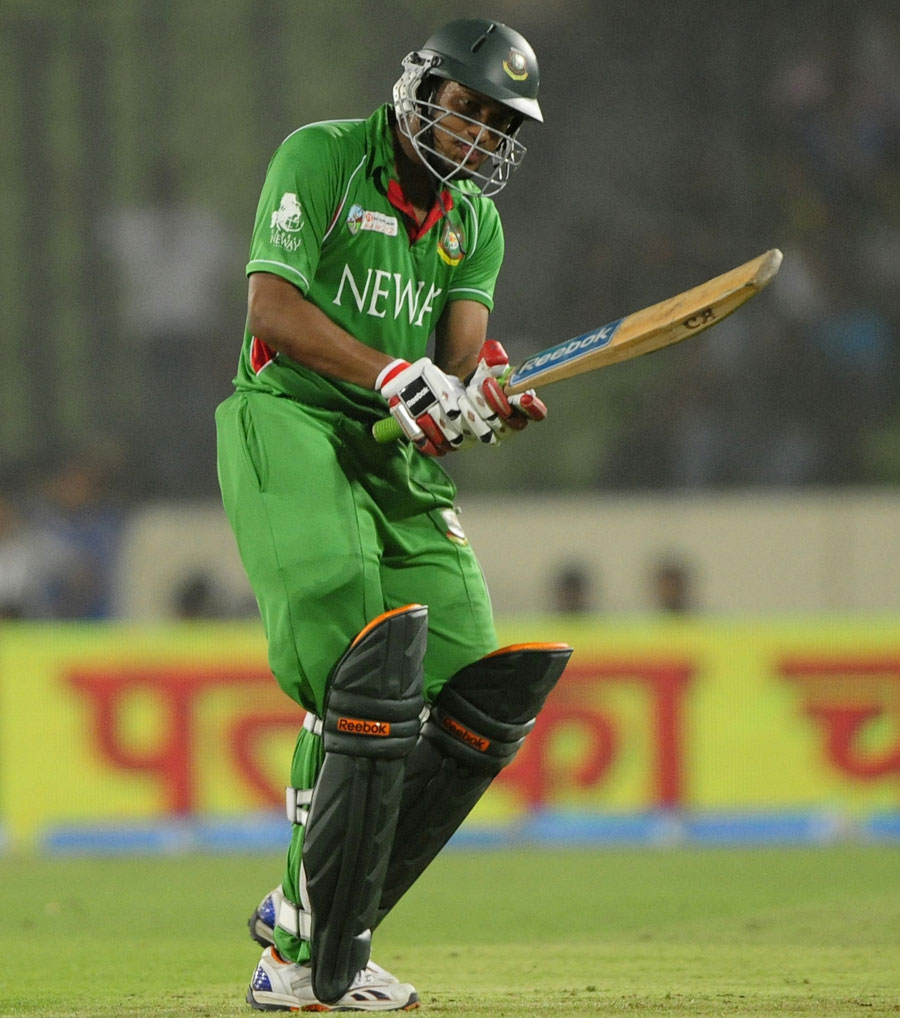 Shakib-Al-Hasan-reacts-to-being-bowled